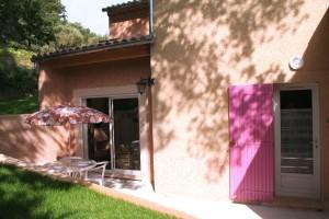 baie_vitrée_chambre_Blanchelys donnant sur terrasse-corrigée